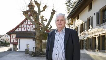 Holliger hat bewirkt, dass das Restaurant Rössli im Dorfkern nach der kürzlich fertiggestellten denkmalpflegerischer Renovation zu 100 Prozent von der Holzschnitzelheizung der Gemeinde beheizt wird.
