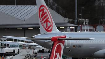 Wird die Airline Niki nach der Air-Berlin-Pleite spanisch? Einem Medienbericht ist nur noch der Spanische Konzern Vueling/IAG als neuer Investor im Rennen. (Archivbild)