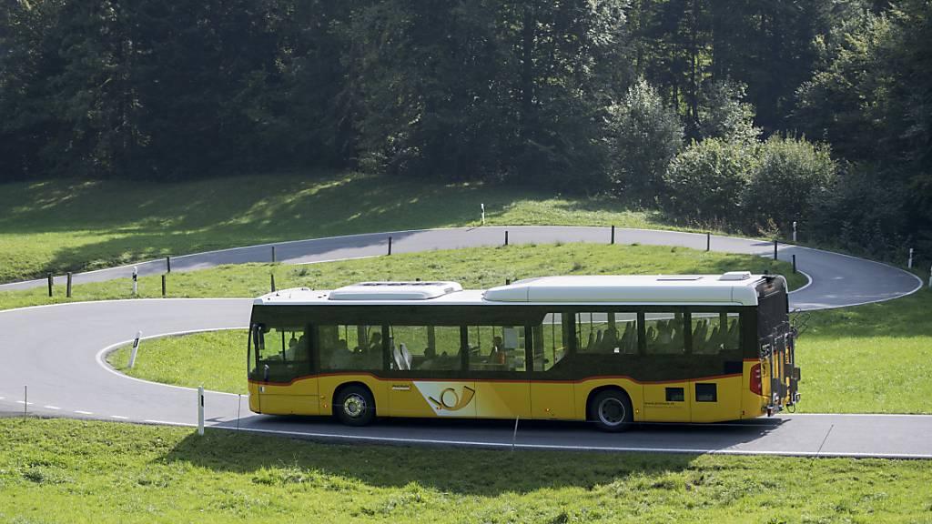 Behörden empfehlen Postauto für Reise zum Lauenensee