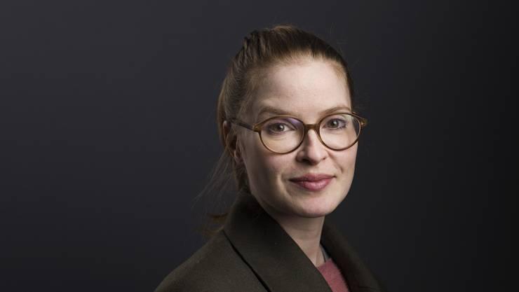 Lisa Brühlmann wurde 1981 in Zürich geboren. In Berlin-Charlottenburg liess sie sich zur Schauspielerin ausbilden.