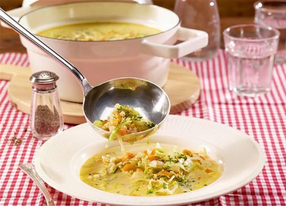 Die Rahmsuppe schmeckt besonders an eiskalten Wintertagen.