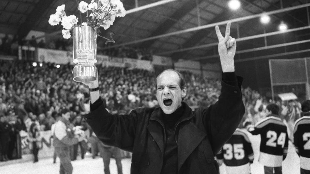 John Slettvoll nach dem Meistertitel mit Lugano 1987