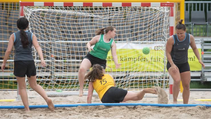 Beachhandball am ETF Aarau – das sind einige Impressionen.