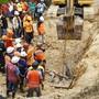 Nach einem Erdrutsch im Dorf Tinaan 570 Kilometer südlich der philippinischen Hauptstadt Manila werden über 60 Menschen vermisst.