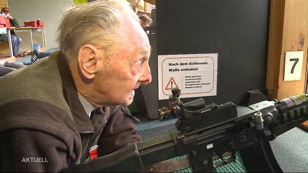 Ältester Kranzschütze: 91-jähriger Feldschütze trifft immer noch voll ins Schwarze