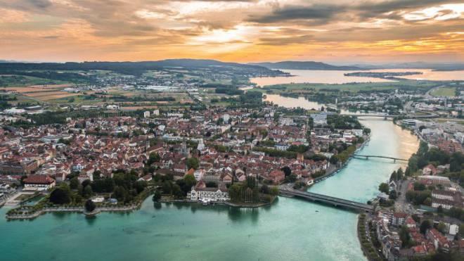 Schöne Aussichten: Die deutsche Stadt Konstanz am Bodensee ist nicht nur aus der Luft ganz schön schmuck. Foto: HO