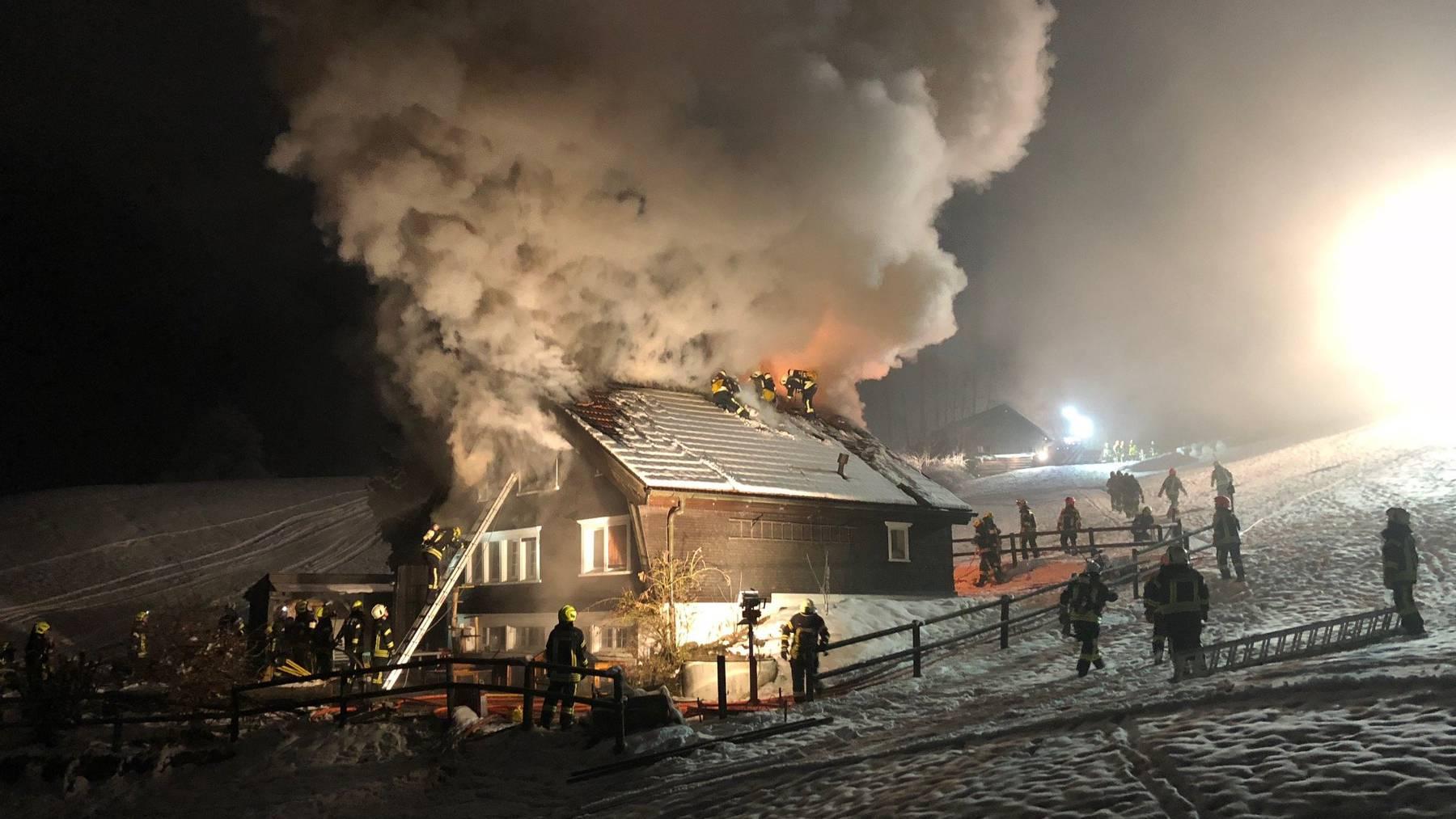 Der Schaden am Gebäude beläuft sich auf mehrere hunderttausend Franken.