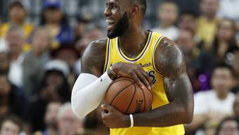 LeBron James hat im Dress der Los Angeles Lakers sichtlich Spass