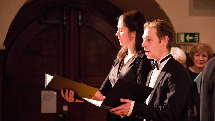 Die Solisten Ronja Bosshard (Sopran) und Tobias Schmid (Bass) zeigten am Sonntag ihr Können.