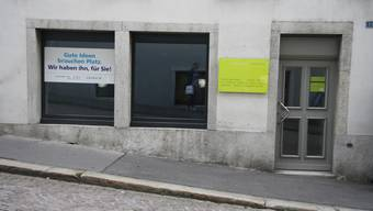 Langzeit-Leerstände im Stadtbild wie dieses Ladenlokal am Kronenstutz beschäftigen nun auch die Politik.