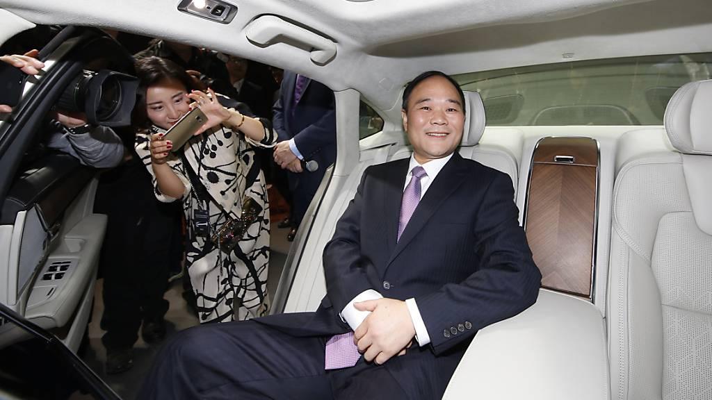 Der Gründer des chinesichen Autobauers Geely, Li Shufu, will die neuste E-Autotechnologie seines Konzerns auch anderen Herstellern zugänglich machen.(Archivbild)