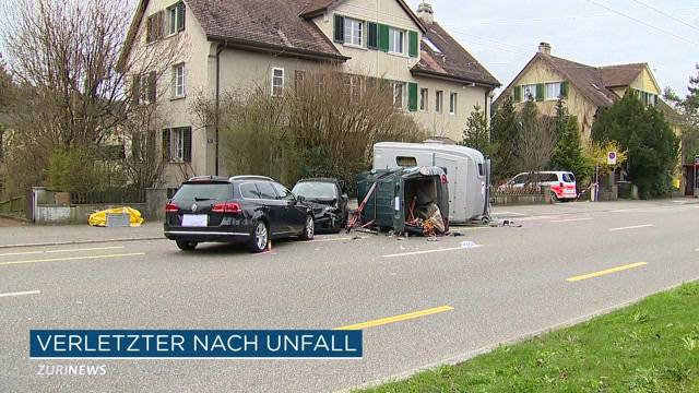 Schwerverletzter bei Ross-Anhänger-Unfall