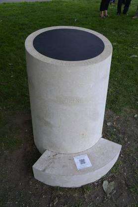 Der Wunschstein enthält im Fundament einen steinernen Block aus Ranft.