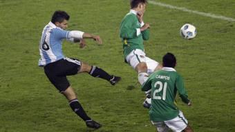 Agüero trifft mit einem Volleyschuss