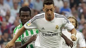 Özil wechselt von Madrid zu Arsenal.