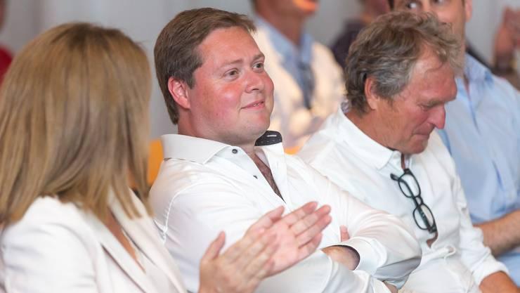 Der Moment der Wahl: Philipp Bonorand (M.) sass während der Versammlung in der ersten Reihe.