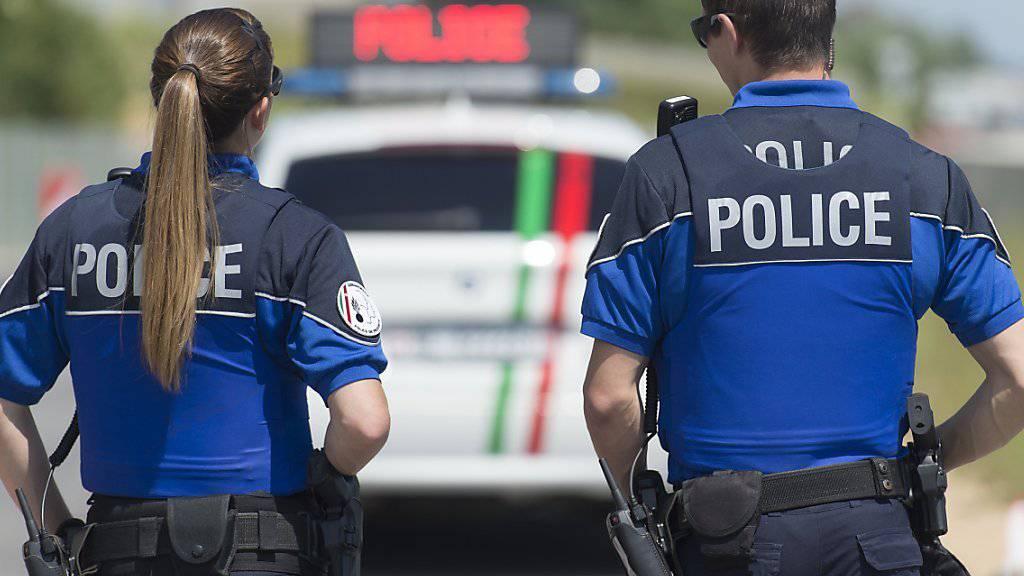Trotz einer sofortigen Grossfahndung der Neuenburger Polizei konnten die Einbrecher entkommen (Archivbild).
