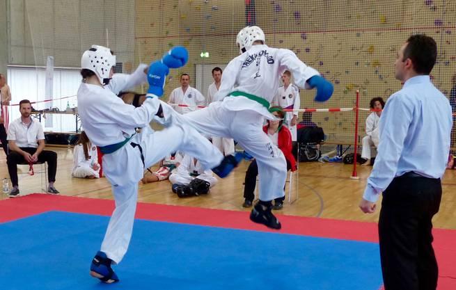 Bei den Kämpfen massen sich Taekwon-Do Künstler aus der Schweiz, Deutschland, England, Wales und Spanien miteinander.