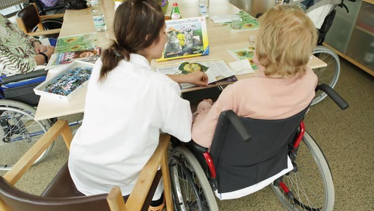 Es soll keine neue Betreuungspauschale im Alterszentrum Burkertsmatt in Widen geben. (Symbolbild)