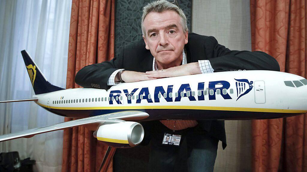 Ryanair-Chef Michael O'Leary hofft, dass der Flugverkehr bis im Spätsommer an Fahrt aufnimmt. Bis im September sollen die angebotenen Flüge des Billigfliegers auf 80 Prozent eines normalen Sommerflugplans ansteigen.(Archivbild)