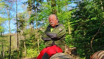 Förster Stefan Landolt ist seit 38 Jahren Förster im Forstbetrieb Thiersteinberg und kennt die dortigen Wälder wie kein Zweiter. Dennis Kalt