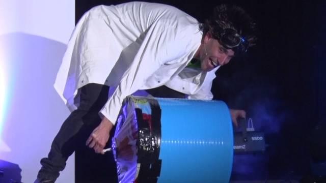 «Professor Bummbastic»: Dieser Aargauer Lehrer vermittelt Wissenschaft auf die andere Art