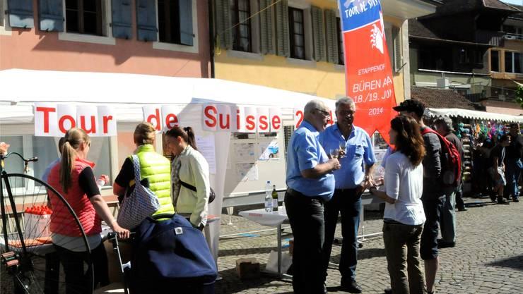 """Werbung für den Event """"Büren als Etappenort der Tour de Suisse"""