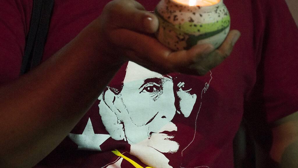 Weitere Klage gegen Aung San Suu Kyi