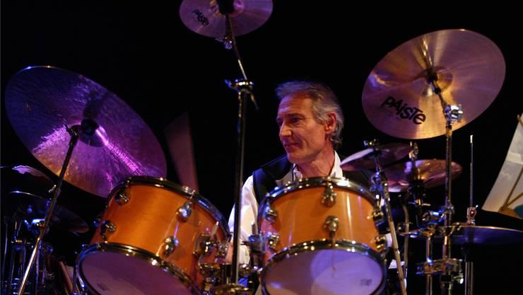 Marco Käppeli ist mit seinem Schlagzeug der Herzschrittmacher der Aarauer Jazzszene. Rolf Jenni