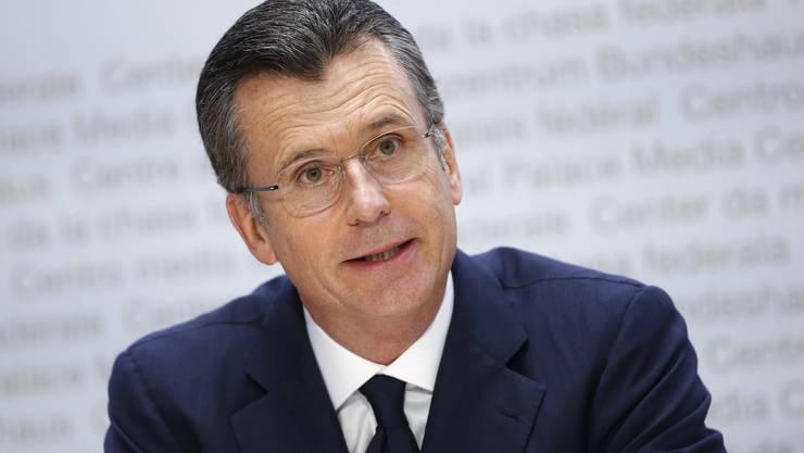 Philipp Hildebrand an der Medienkonferenz in Bern anlässlich der Bekanntgabe seiner Kandidatur das Amt bei der OECD.