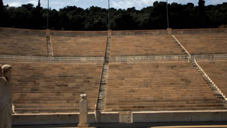 Das Panathinaiko-Stadion - die antike Athener Arena aus dem Jahr 330 vor Christus wurde nach den Ausgrabungen auf den Fundamenten rekonstruiert
