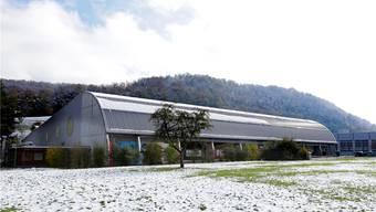 Der Gemeinderat ist seit Mitte November 2018 im Besitz eines umfangreichen Fragenkatalogs zur Kostenüberschreitung der Kunsteisbahn Sissach. (Archiv)