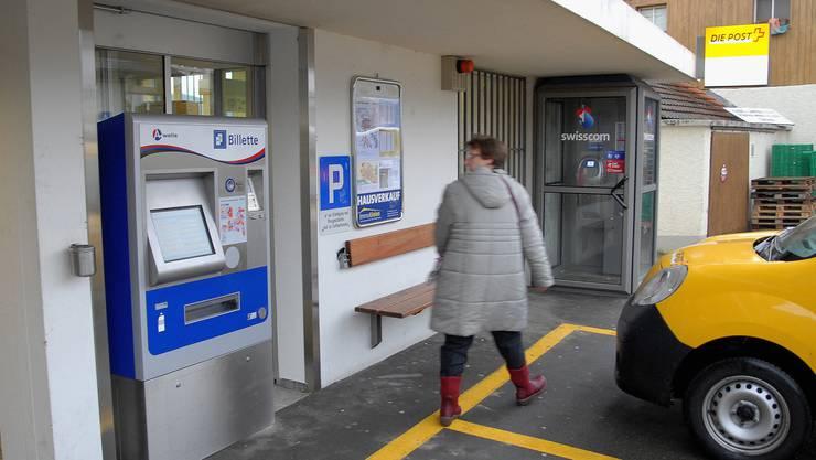 Der neue Billettautomat bei der Haltestelle Post in Birmenstorf RVBW A-Welle