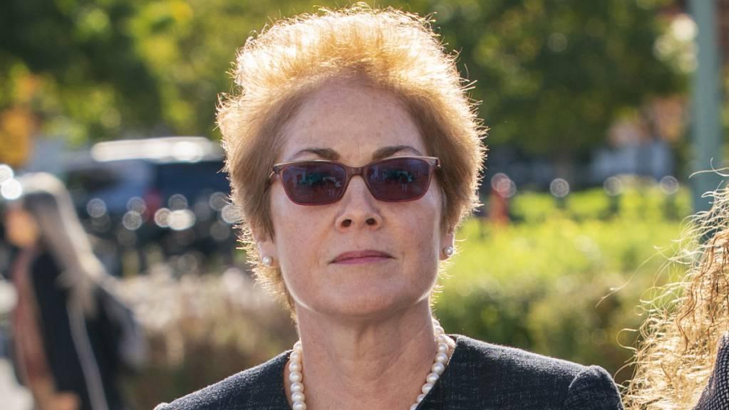 Auf dem Weg zur ihrer Aussage vor dem Kongress: die frühere US-Botschafterin in der Ukraine, Marie Yovanovitch.