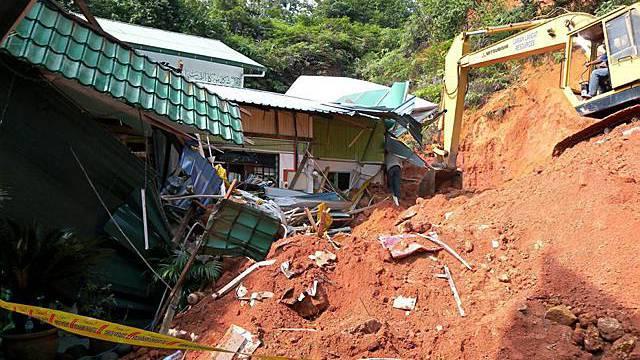 Verschüttetes Weisenhaus in Malaysia