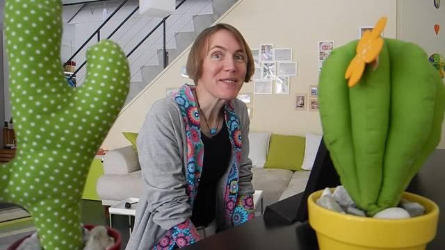 Mundartsängerin Petra Gfeller spielt Chopfsvoraa is Gwitter