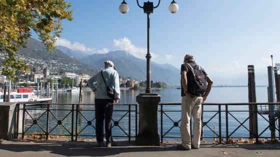 Möglichst lange zuhause wohnen bleiben, werde überschätzt, sagt eine Tessiner Pflegefachfrau: Viele Senioren würden dabei vereinsamen.