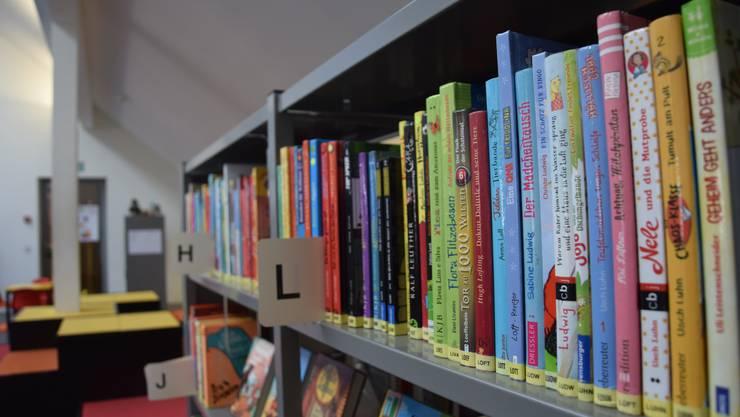 Der Gang in die Bibliothek ist nicht mehr möglich. Die Dietiker Stadtbibliothek bietet eine Alternative. (Symbolbild)