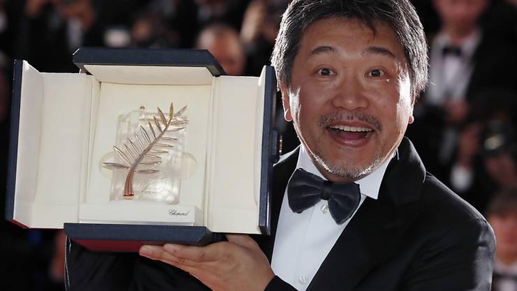 """Er kennt sich aus mit Preisen: Für """"Shoplifters"""" gewann Hirokazu Kore-eda im vergangenen Jahr die Goldene Palme des Filmfestivals in Cannes. Ende August wird er mit seinem neuen Film die Filmfestspiele in Venedig eröffnen. (Archivbild)"""