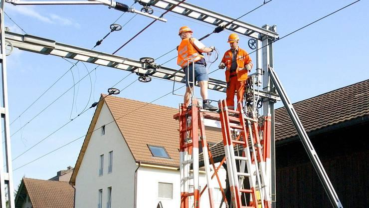 Der Unfall ereignete sich bei Arbeiten an einem Leitungsmast der SBB in Lausanne. (Symbolbild)