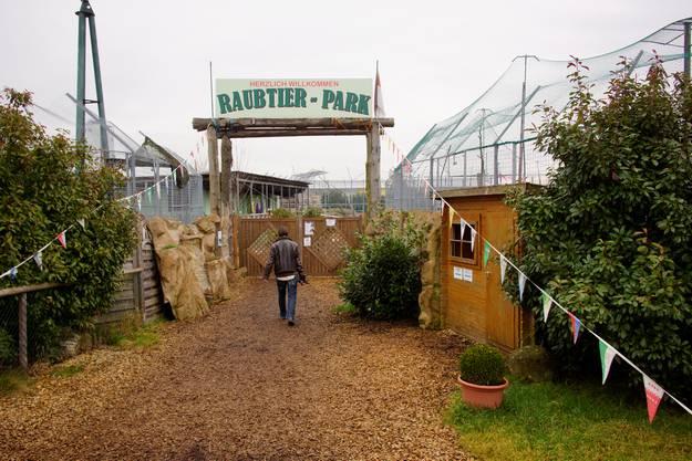 Es kommen immer wieder neue Gehege und Gebäude dazu, die auf einen permanenten Raubtierpark hindeuten.