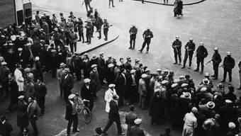 Die Genfer Unruhen: Bei der Protestkundgebung gegen den Faschismus in Genf am 9. November 1932 schossen Armeemitglieder auf Demonstranten und Passanten. Es gab 13 Tote und 65 Verletzte. (Archiv)
