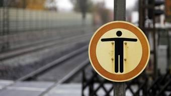 187 Menschen versuchten sich im Jahr 2013 auf den SBB Geleisen das Leben zu nehmen. (Symbolbild)