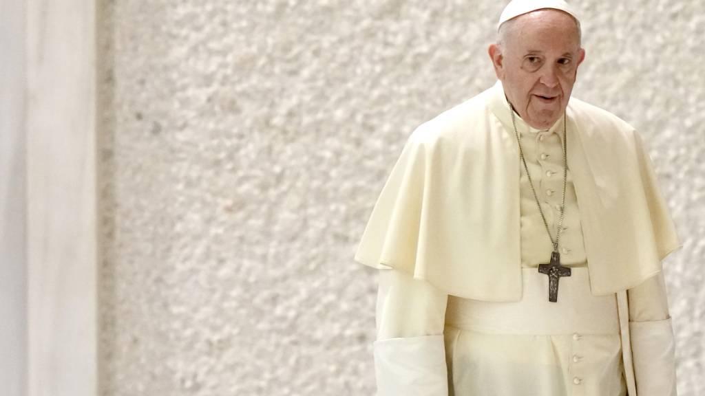 Papst betet für Flüchtlinge aus Afghanistan