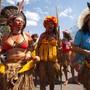 Zehntausende Frauen, darunter Ureinwohnerinnen und Bäuerinnen, gingen in der brasilianischen Hauptstadt Brasilia gegen die ultrarechte Regierung von Jair Bolsonaro auf die Strasse.