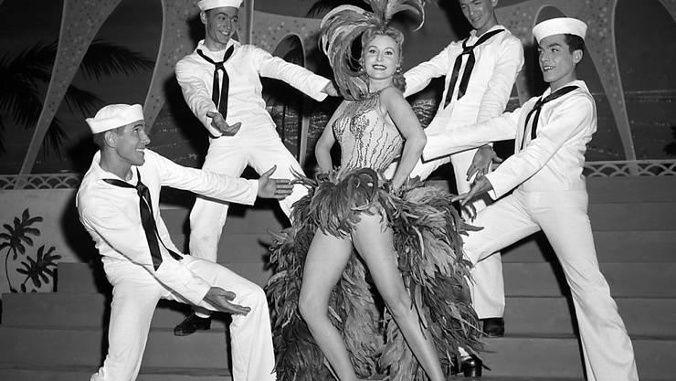 ARCHIV - Schauspielerin Rhonda Fleming als Sängerin und Tänzerin in Las Vegas. Foto: David Smith/AP/dpa