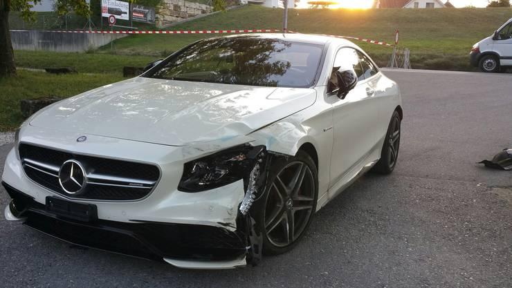 Der Mercedes von Philipp Müller wird beim Unfall beschädigt, er selber bleibt unverletzt.