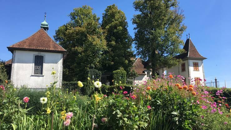Gärtnerin Carole Kündig führt am 6. Juni 2018 durch die Gartenanlagen.