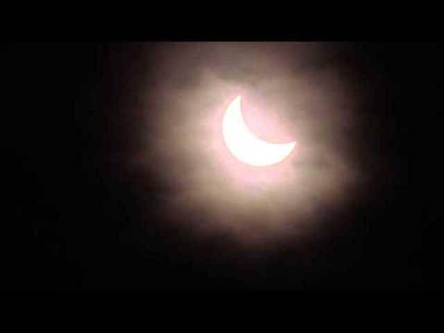 Die partielle Sonnenfinsternis gefilmt in Basel