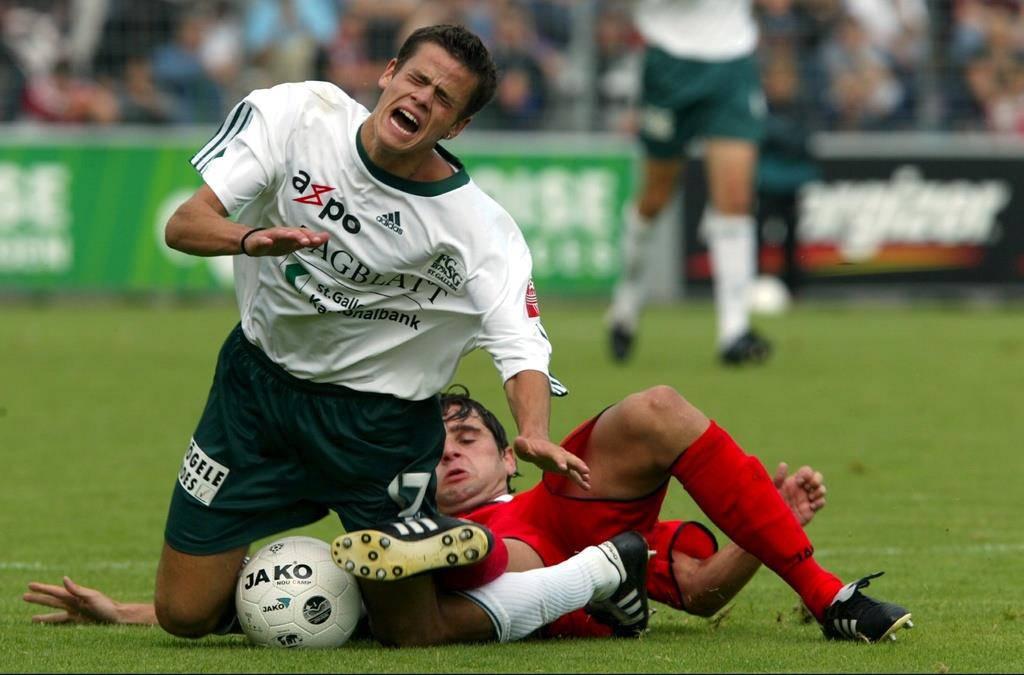 Tranquillo Barnetta im Jahr 2002 bei einem Spiel gegen den FC Aarau.